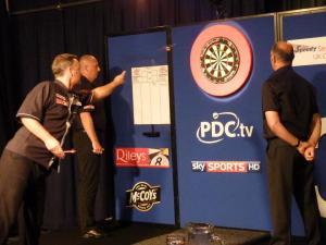 mh uk open 2012 v jabba action shot dart in air
