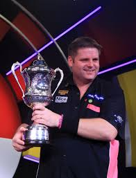 BDO World Champ , Scott Mitchell, chose to remain within the system.