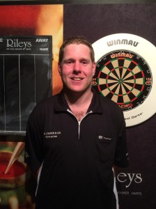 Rileys Qualifier Barry Lynn wins through day one and threatens to smash Gary Anderson, on day 2. Joking or deadly serious?